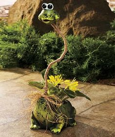 Flexible Neck Planter FROG
