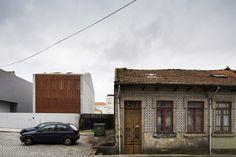 Haus von AZO Sequeira Arquitectos in Porto