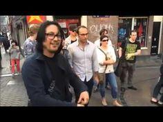 musicos callejeros: guitarristas locos