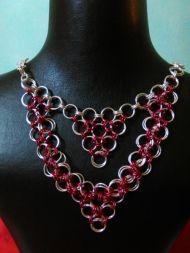 Χειροποίητο κολιέ σε μοντέρνο σχέδιο Handmade Jewelry, Pendants, Chain, Bracelets, Earrings, Ear Rings, Stud Earrings, Handmade Jewellery, Hang Tags