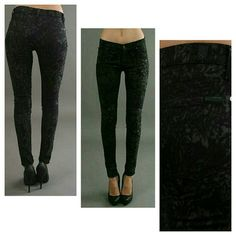 7 for all Mankind Second Skin Skinny Jeans Damask BNWT SFAM /7FAM THE SKINNY SECOND SKIN LEGGING JEAN Style. AU0150119A? CUT 024155? SZ 25? MADE IN USA OF IMPORTED FABRIC? 98% cotton / 2% spandex? Color on tag is BLK..imo in my perception they are grey and black..print looks ,like  floral, ino l but I am not entirely sure exactly what it would be considered  7fam's  skinniest fit? Msrp $198 Measurements avail upon request reasonable offers welcome  Thank you 7 for all Mankind Jeans Skinny
