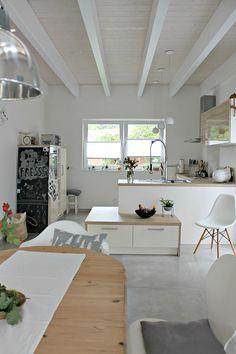Kitchen   modern interior   We Heart Home