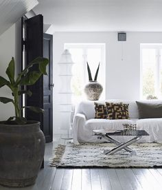 Today is a very exciting day here at home .... my new book The Scandinavian Home: Interiors inspired by light has officially launched (*does a little dance*)! It's been a year or so in the making - ha