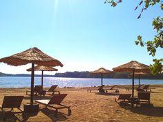 Neu seit Sommer 2013: die wunderschöne Strandbar am hoteleigenen Badestrand des…