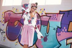 FALDA CON LAZO: Falda a la rodilla tipo A con detalle de maxi cinturón enlazado y cierre invisible posterior. Disponible en rosa y negro. Pink, Hair Bows, Budget, Skirts, Black, Trends, Women