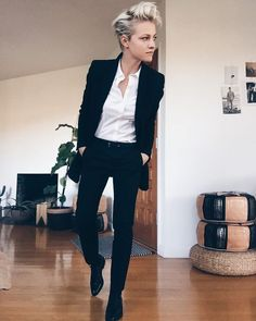 Brittenelle Fredericks tomboy style outfits looks 25 Tomboy Fashion, Androgynous Fashion Women, Queer Fashion, Fashion Outfits, Womens Fashion, Androgynous Style, Butch Fashion, Androgynous Clothing, Androgynous Girls