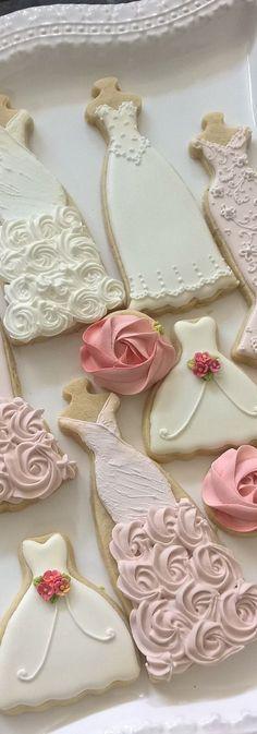 46 ideas cupcakes wedding shower sugar cookies for 2019 Fancy Cookies, Iced Cookies, Cute Cookies, Royal Icing Cookies, Cookies Et Biscuits, Cupcake Cookies, Sugar Cookies, Rosette Cookies, Yummy Cookies