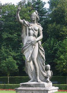 """* Perséfone * aka Proserpina. Filha de Zeus e Deméter, Deusa da Agricultura, das Ervas, Flores, Frutos, Perfumes, das Estações do Ano, do Casamento e da Feminilidade. """"Schlosspark Nymphenburg"""", München. Deutschland."""