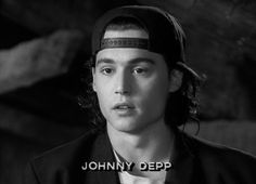 Who knew what Johnny Depp looked like young and not dressed up for movies. Young Johnny Depp, Here's Johnny, Johnny Depp Teenager, Winona Ryder, Soft Grunge, Junger Johnny Depp, Beautiful Men, Beautiful People, Favim