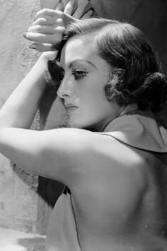 In Photos: Joan Crawford's Most Glamorous Old Hollywood Moments