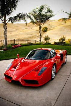 Ferrari Enzo rojo de fabrica