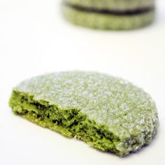Mix a heaping spoonful of green tea powder into your favorite cookie batter. The quick and easy addition creates naturally green baked goods with a subtle earthy flavor