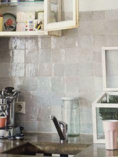 Credence cuisine zelliges id es pour la maison pinterest cuisines zellige et carrelage - Credence keuken tegel cement ...