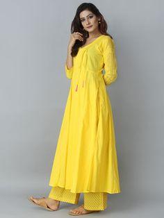 Simple Kurti Designs, Kurta Designs Women, Kurti Neck Designs, Kurti Designs Party Wear, Blouse Designs, Pakistani Fashion Casual, Pakistani Dress Design, Indian Designer Outfits, Designer Dresses
