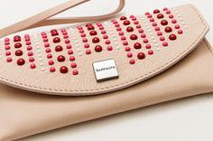 Le custodie in pelle Bazzecole sono ideali per il vostro Smartphone #Samsung e per molte altre marche. #Moda #Fashion #Style #Madeinitaly #Handmade #Bazzecole #custodie #custodia #leather #cases #Londra