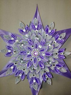 Ribbon Art, Ribbon Crafts, Holiday Ornaments, Christmas Decorations, Ribbon Flower Tutorial, Diy Headband, Handmade Flowers, Flowers In Hair, Flower Decorations