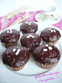 Gabriella kalandjai a konyhában :): Sacher muffin Cheesecake Pops, Muffins, Dessert Cake Recipes, Winter Food, Love Food, Keto Recipes, Food Porn, Food And Drink, Pudding