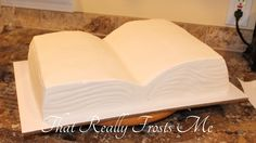 Finally a simple way to create an open book! Church cake walk here I come! :-D (How To Make Cake Topping) Cake Icing, Fondant Cakes, Cupcake Cakes, Cake Decorating Techniques, Cake Decorating Tutorials, Open Book Cakes, Bible Cake, Religious Cakes, Confirmation Cakes