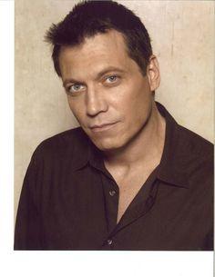 Holt McCallany est un acteur américain, né le 3 septembre 1963 à New York, New York (États-Unis). Tom Hanks News, Holt Mccallany, Krishna Love, New York, Embedded Image Permalink, Gorgeous Men, Athlete, Actors, Male Celebrities