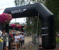 Mainoskaari Speedo 5x3 m: http://www.liikelahjat24.fi/fi/pildid/Ilmat%25C3%25A4ytteiset%2Bmainokset/