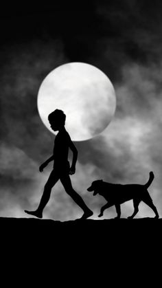 Using simple black and white photography, Hengki Lee has found a way to tell a story with his silhouettes. The Indonesian self-taught photographer captures Black N White, Black White Photos, Black And White Photography, Silhouette Photography, Art Photography, Silhouettes, Shadow Silhouette, Moon Silhouette, Foto Art