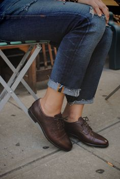 UGG Australia's oxford leather shoe for women - the #Nicco for #Fall #TheNextStep Oxford Shoes Outfit, Ugg Shoes, Fall Shoes, Dress Shoes, Oxford Boots, Sock Shoes, Latex Fashion, Fashion Shoes, Fashion Outfits