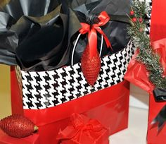 Creative Packaging is North America's leading food, gift , party & retail packaging company for Business & Personal. Packaging Company, Retail Packaging, Take That, Tote Bag, Creative, Party, Gifts, Bags, Food
