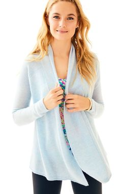 You can never have enough cashmere. Meet our newest cashmere addition, the Seabrook Cashmere Cardigan.  This long sleeved open front cardigan is sure to be your favorite layering piece during cooler seasons.