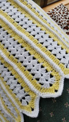 "30"" square for a crib sized blanket - Crochet Crafty Ideas ( Free Pattern)"