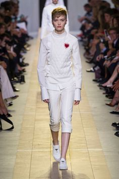 Dior is feeling fencing (2016)