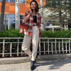 Aybuke Pusat ve ❤️ İLVİ botları Aybuke Pusat and ❤️ her İLVİ boots Turkish Women Beautiful, Turkish Beauty, Most Beautiful Women, Fashion Tv, Fashion Outfits, Womens Fashion, Trendy Outfits, Cool Outfits, Winter Outfits