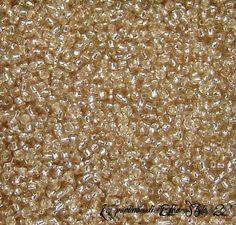 Cod. 049 Perline Conteria vetro Beige 2 mm. conf. 20 di EtnoStyle2 € 1,10  20 gr.