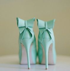Tiffany blue bow heels must have these in my life. Azul Tiffany, Bleu Tiffany, Tiffany Blue Shoes, Tiffany Blue Dress, Tiffany Green, Bow Heels, Shoes Heels, Mint Heels, Mint Green