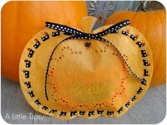 Halloween Doily Pumpkin Treat Bag, could also use brown ribbon for Thanksgiving