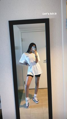 Sabina Hidalgo- Now united Lazy Outfits, Cute Comfy Outfits, Teenager Outfits, Mode Outfits, Retro Outfits, Trendy Outfits, Girl Outfits, Summer Outfits, Fashion Outfits