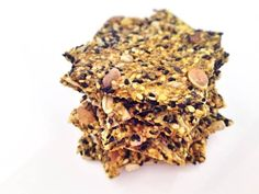 Seed and oat crackers - recetas - Chips Savoury Baking, Healthy Baking, Healthy Food, Healthy Crackers, Real Food Recipes, Healthy Recipes, Snacks Saludables, Incredible Edibles, Dehydrator Recipes
