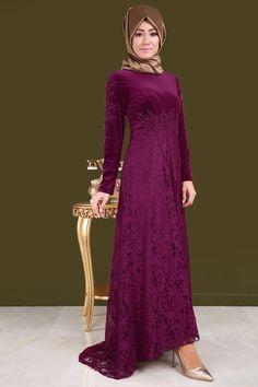 ** ZARAFETİNİ ORTAYA ÇIKAR ** Eteği Dantel İnci Detay Kadife Abiye Şarabi Ürün Kodu: YGS6001 --> 149.90 TL Hijab Dress, Hijab Outfit, Dress Outfits, Muslim Fashion, Hijab Fashion, Lovely Dresses, The Dress, Frocks, Bridesmaid Dresses