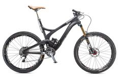 2014 Bible of Bike Tests: A holy terror on descents, mind-blowingly good on the climbs—Evil's carbon all-mountain rig -- Uprising -- was worth the wait. Best Mountain Bikes, Mountain Bicycle, Mountain Biking, Off Road Cycling, Full Suspension Mountain Bike, Mtb Bicycle, Bicycle Design, Cool Bikes, Snowboard