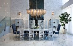 Whether it be glass, or a mixture of different lighting fixtures, modern dining room lighting has a lot to offer. Here are 100 awesome dining room lighting ideas Mismatched Dining Room, Metal Dining Chairs, Dining Chair Set, Dining Room Furniture, Dining Rooms, Dining Area, Dining Table, Esstisch Design, Dining Room Lighting