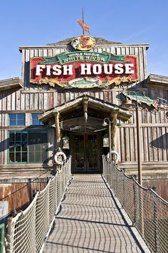 World Famous White River Fish House, Branson, MO.  The alligator tails are battered and deep fried like catfish.  Best gator I have ever eaten!!!!