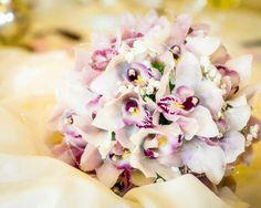 Meraviglioso bouquet bianco e lilla per la sposa - Melzo (MI) : Fotografi e video - Claudio Ravasi Fotografo
