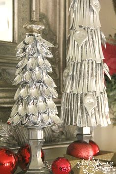 Christmas trees out of plastic silver spoons Elf Christmas Decorations, Christmas Arts And Crafts, How To Make Christmas Tree, Dollar Store Christmas, Christmas Signs Wood, Homemade Christmas, Holiday Crafts, Christmas Diy, Christmas Trees