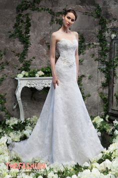 Svetlana Lyalina specializes in creation and sales ofexcellent wedding dresses and women's clothing. Collections differ from competitors with unusual cut and complex drapery. Please contact the d…