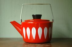 Furniture Accessories:Awesome Red Kitchen Accessories Minimalist Red Mid Century Modern Metal Teapots Modern Kitchen Accessories, New modern kitchen designs