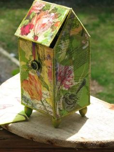 tea house box Embroidery Works, Creative Embroidery, Crafts To Make, Diy Crafts, Tea Bag Art, Fabric Bowls, Beaded Boxes, Ceramic Boxes, Casket