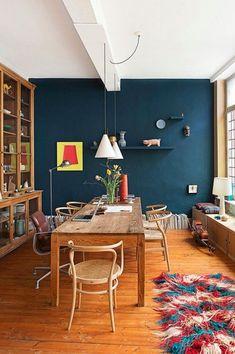 Wohnen // Für viel mehr blaue Wandfarbe | Jane Wayne News ähnliche tolle Projekte und Ideen wie im Bild vorgestellt findest du auch in unserem Magazin
