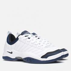 Кроссовки мужские Nike Air Oscillate QS White/Black. Article: 817416-100. Release: 2015. Переиздание теннисных кроссовок Air Oscillate, выполненных в классической расцветке, которая принесла победу Питу Сампрасу в 1996 году. Верх кроссовка изготовлен из простроченной кожи, ripstop нейлона и мягкого внутреннего носка, что обеспечивает высокий уровень комфорта и износостойкости. В подошве используется знаменитая технология Zoom Air, многочисленные достоинства которой отметили многие…