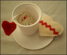 Have some Valentine's day tea with these gem filled tea bags. #crafts #diy #valentine's day