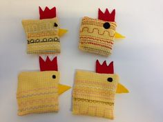 Vohvelityö (1.lk). Sisällä kauraa. (Alkuopettajat FB -sivustosta / Satu Mikkola) Easy Sewing Projects, Diy Projects To Try, Projects For Kids, Easter Crafts To Make, Crafts For Kids, Cat Daycare, Home Crafts, Diy Crafts, Textiles