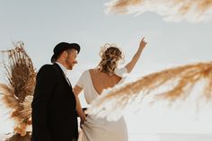 Mariage au Bassin d'Arcachon - Shooting d'inspiration • Sparkly Agency Marie, Stylists, In This Moment, Costumes, Couple Photos, Inspiration, Couples, Mua, Officiel